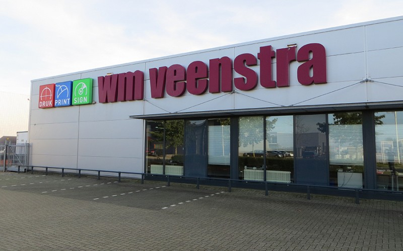 LED geveltekst en LED logo